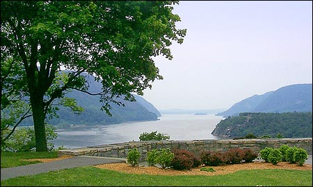 Hudson River from Boscobel